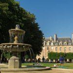 Team building games: Treasure hunt in Paris Marais district