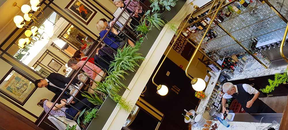 The Café du Commerce: a traditional and unique restaurant in Paris 15