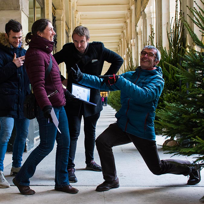 Covered passages team building activities in Paris treasure hunt for adults 8 to 60 people