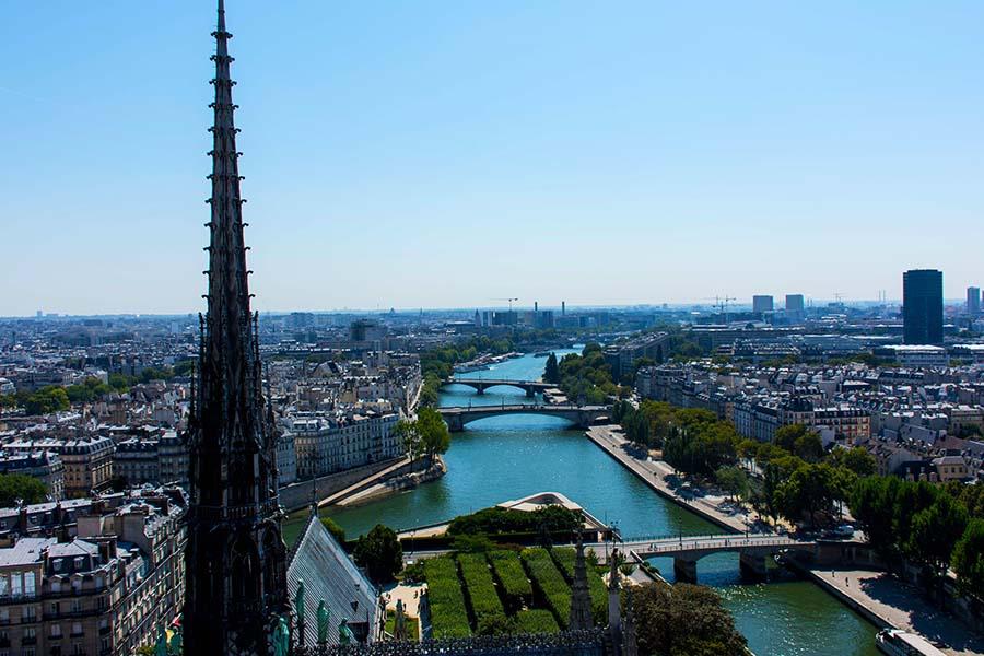 monuments incontournables à Paris Notre Dame eslphoto events