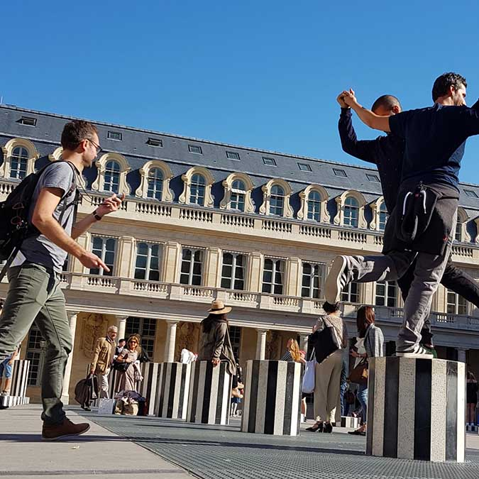team building activities in Paris Palais Royal adult treasure hunt 8 to 100 people