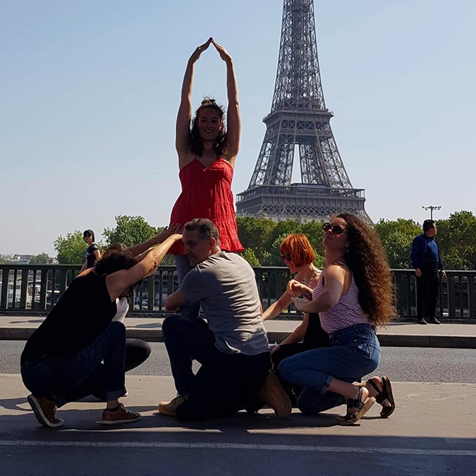 team building activities in Paris Eiffel Tower district adult treasure hunt 8 to 100 people