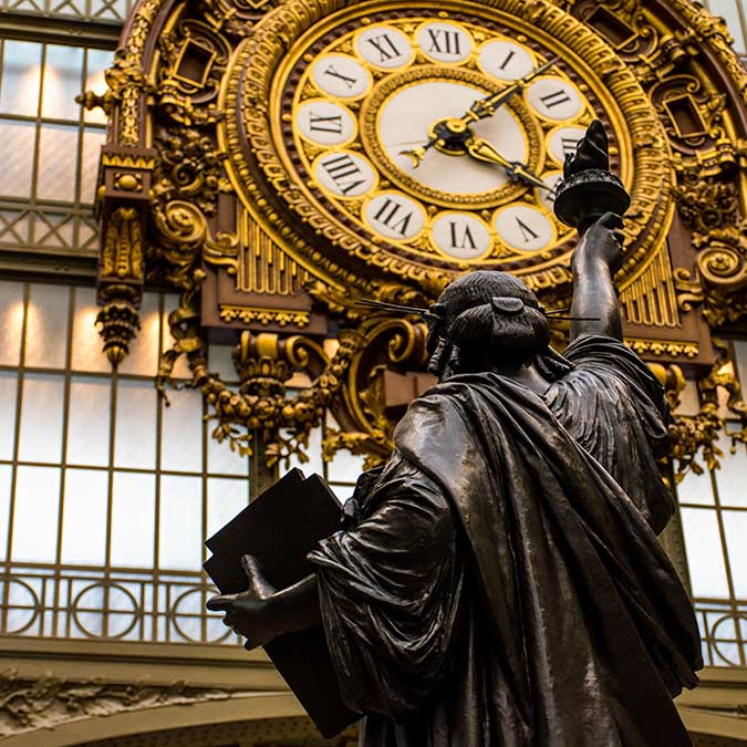 team building activities in Paris musee d'Orsay adult treasure hunt 8 to 60 people