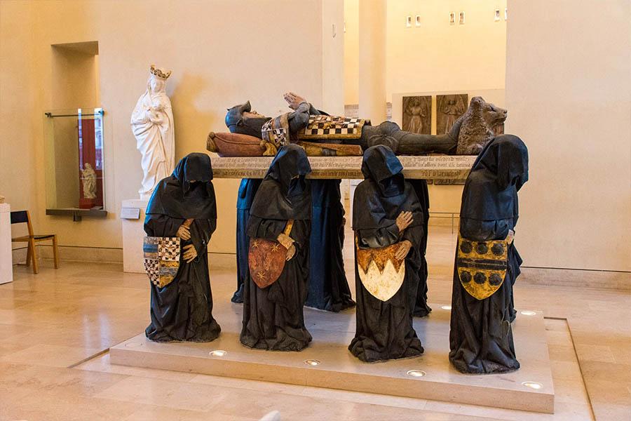 œuvres insolites du Louvre tombeau de Philippe Pot
