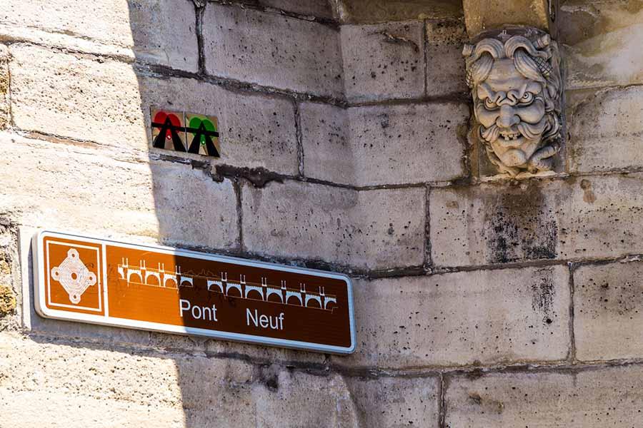 détail pont neuf mascaron