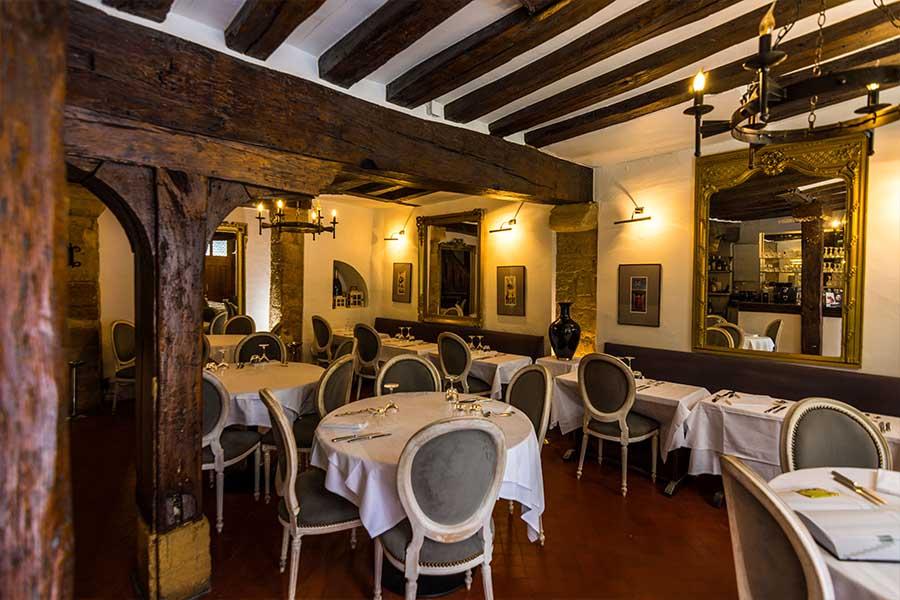 intérieur restaurant l'auberge nicolas flamel