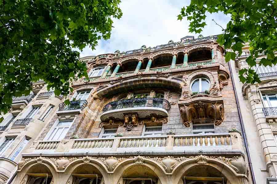 immeuble insolite paris Lavirotte facade
