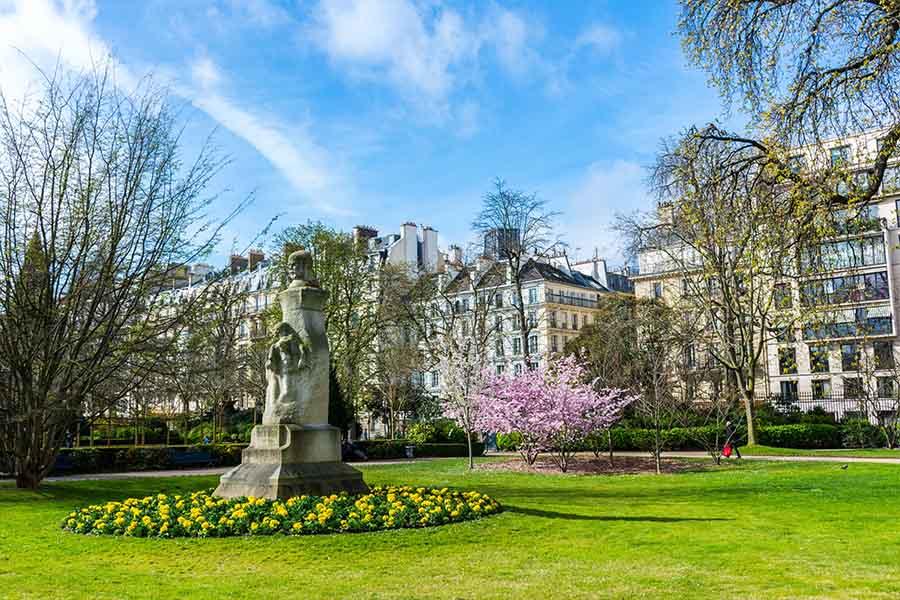 jardins du Luxembourg statue de verlaine