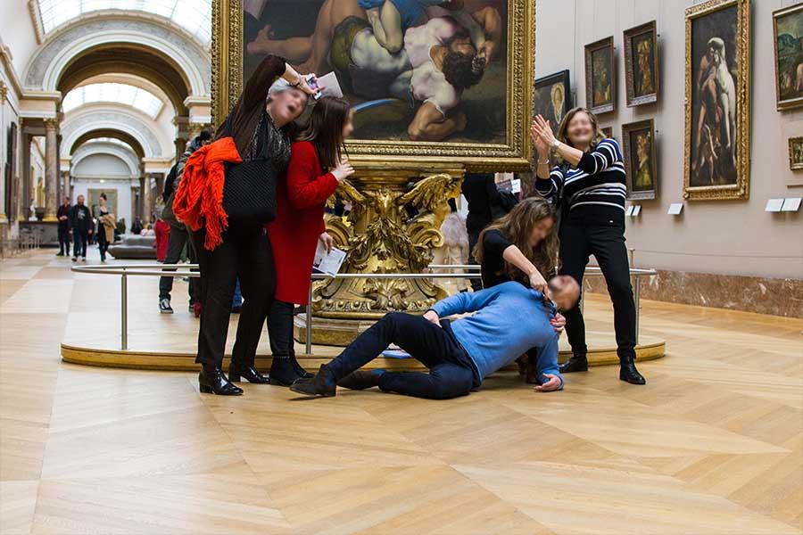 Louvre scavenger hunt grande galerie
