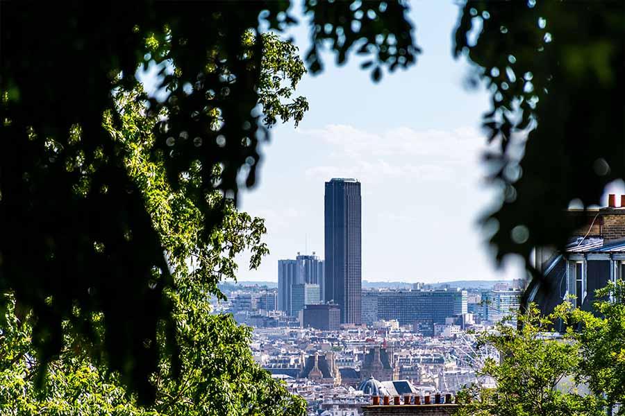 famous monument in Paris the Montparnasse tower