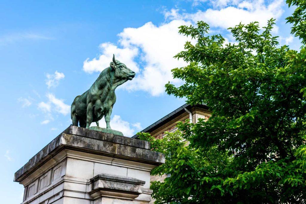taureau entrée parc georges brassens